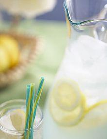 220px-Lemonade_with_straws