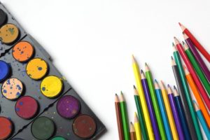 https://pixabay.com/en/back-to-school-pencils-rainbow-art-1576791/